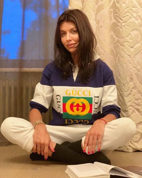 Фото №1 - «Ходить не могу, пролежни воспалились»: состояние Алисы Казьминой ухудшилось