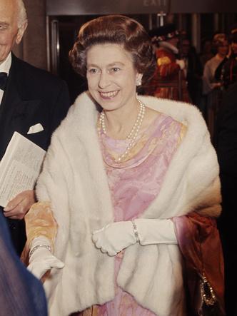 Фото №3 - 8 правил этикета, которые должен соблюдать каждый член королевской семьи