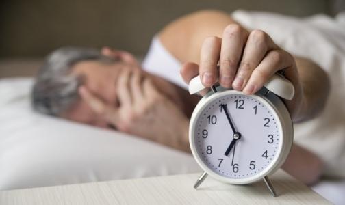 Фото №1 - Кардиологи назвали полезную для сердца продолжительность сна
