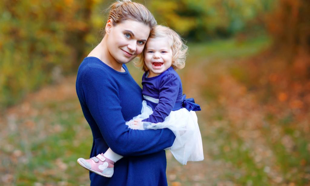«Можно ли беременной носить на руках ребенка?»