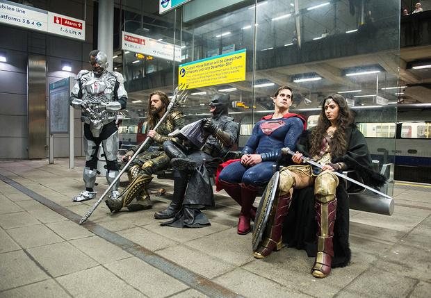 Фото №1 - Warner Bros анонсировали 24-часовую онлайн-вечеринку для всех фанатов вселенной DC
