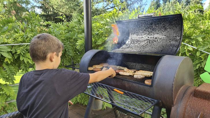 Фото №1 - Употребление мяса может обернуться астмой у детей