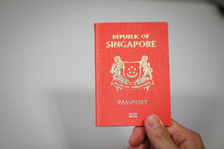 Фото №1 - Сингапурца лишили паспорта за нарушение предписанного карантина