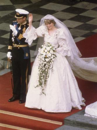 Фото №7 - Брачный конфуз: 7 неприятностей, случившихся на королевских свадьбах
