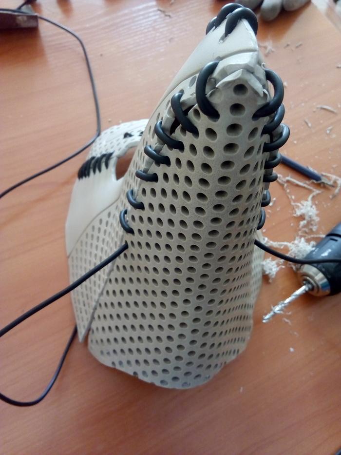 Фото №8 - Русский айтишник показал, как сделать маску чумного доктора из корпуса старого компьютера (фотоинструкция)