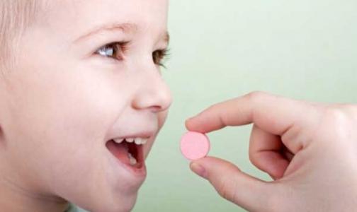 Фото №1 - Прокуратура Петербурга собирается защитить права детей, которым отказывают в бесплатных лекарствах