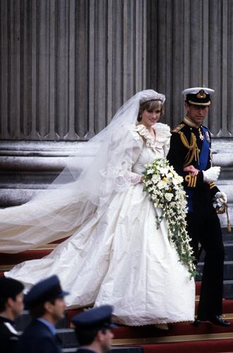 Фото №8 - Секретное свадебное платье принцессы Дианы