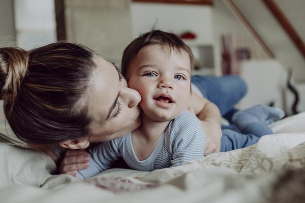 Фото №2 - Ученые: родители любят мальчиков больше, чем девочек