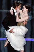 Хью Джекман с Энн Хэтэуэй, Оскар, 2009