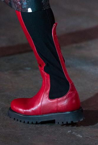 Фото №21 - Полный гид по самой модной обуви для весны и лета 2020