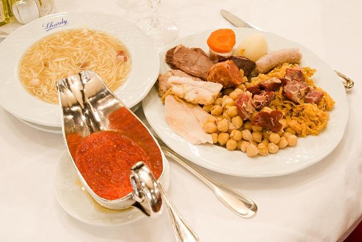 Фото №4 - Пять блюд, которые стоит попробовать зимой в Мадриде