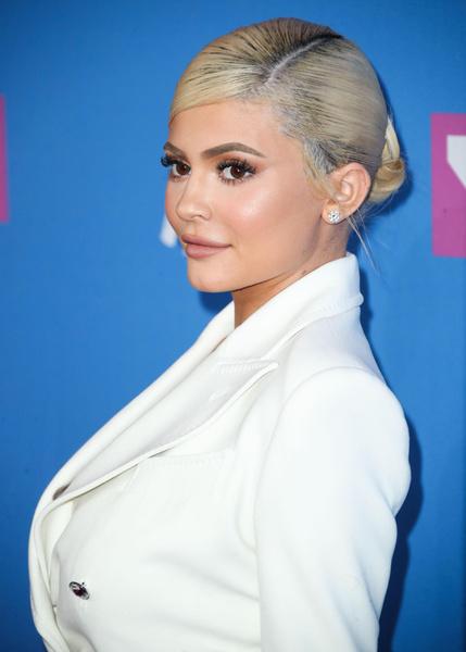самые богатые люди женщины мира звезды знаменитости рейтинг форбс 2020 самый высокий доход список