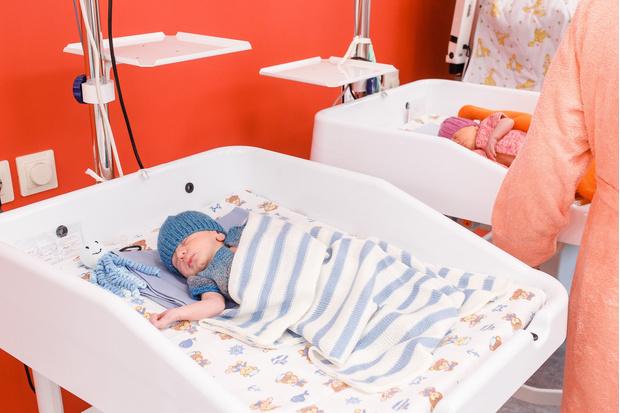 В петербургском роддоме две женщины одновременно родили тройняшек