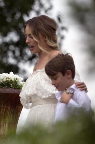 Фото №9 - Все, что мы знаем о свадьбе Марго Робби и Тома Акерли