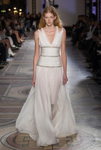 Фото №31 - 35 идей свадебных платьев с подиумов Недели высокой моды в Париже