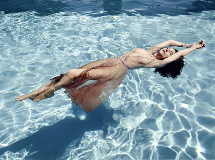 Фото №4 - Моника Беллуччи: «Я люблю жить, а не находиться в постоянном контроле»