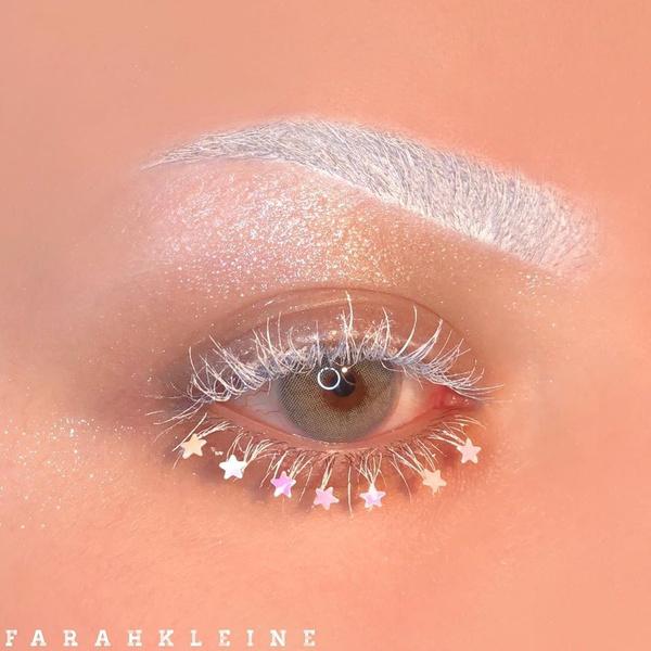 Фото №4 - Как использовать белый цвет в макияже: 4 способа