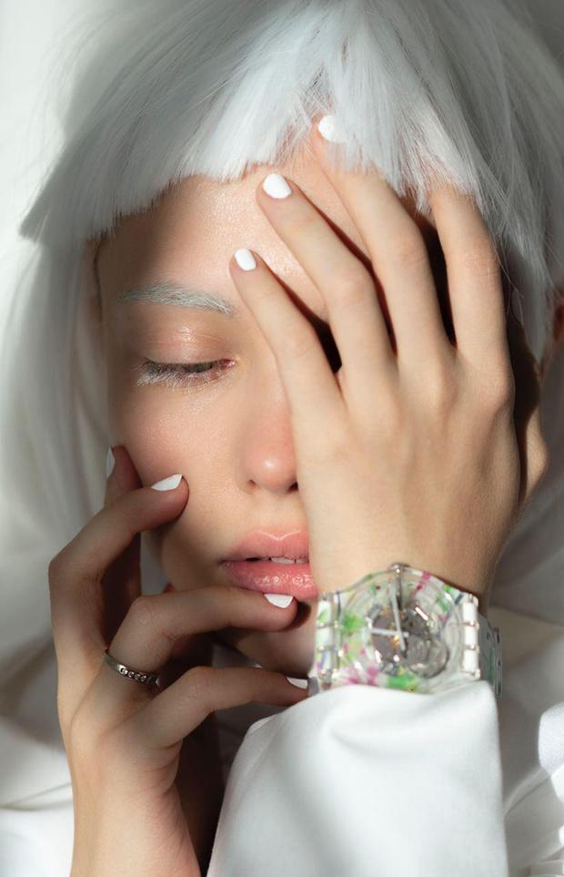 Фото №1 - Искусство в массы: Swatch представил новый паттерн, созданный российской художницей Эллен Шейдлин