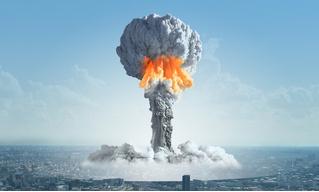 Дональд Трамп предложил бороться с ураганами ядерными бомбами