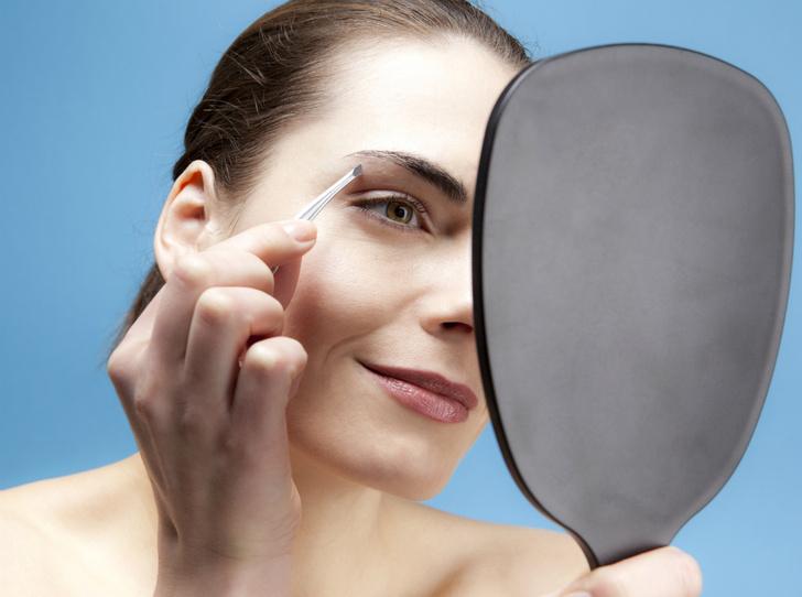 Фото №4 - Как правильно выщипывать брови: советы brow-мастера
