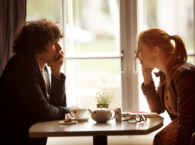 Фото №5 - «Поэзия сближает»: Юлиус Майнл предлагают обменять кофе на чувства