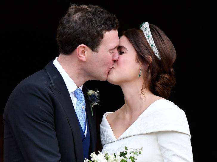 Фото №1 - Интересные факты о свадьбе принцессы Евгении и Джека Бруксбэнка