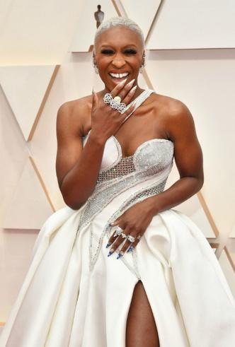 Фото №11 - Драгоценный «Оскар-2020»: самые впечатляющие украшения премии