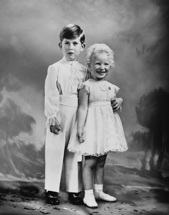 Фото №3 - Старший брат: самые трогательные фото принца Чарльза с принцессой Анной
