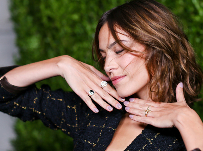 Фото №2 - Кира Найтли и другие голливудские звёзды на ужине Chanel Fine Jewelry