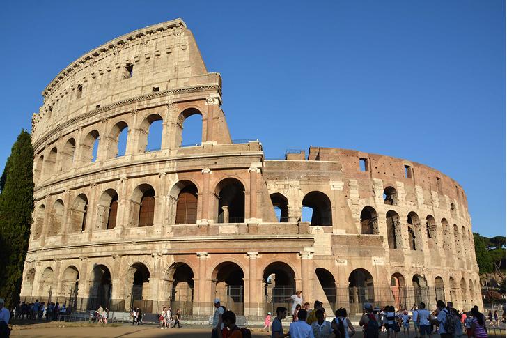 Фото №1 - Колизей очистили от многовековой копоти