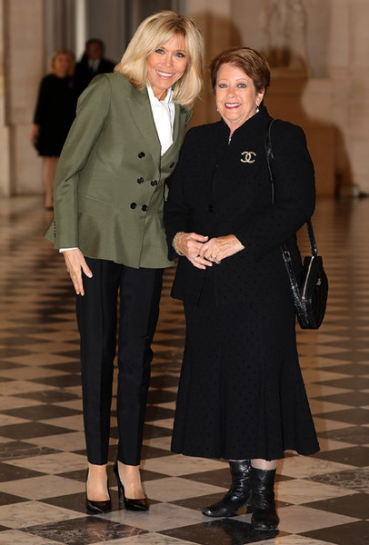 Фото №2 - Как выглядит Брижит Макрон на фоне других Первых леди
