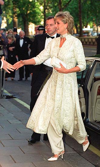 Фото №34 - 6 фактов о стиле принцессы Дианы, которые доказывают, что она была настоящей fashionista