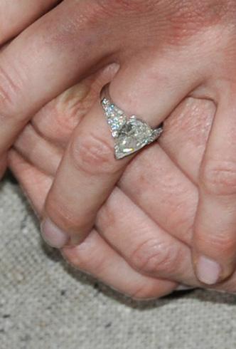 Фото №5 - Кейт, Камилла или Грейс Келли: чье помолвочное кольцо самое дорогое