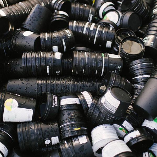 Фото №3 - Go green: что делать с пустыми баночками из-под косметики