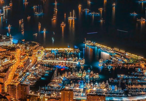 Фото №1 - Как с высоты выглядит выставка суперъяхт в Монако (галерея)