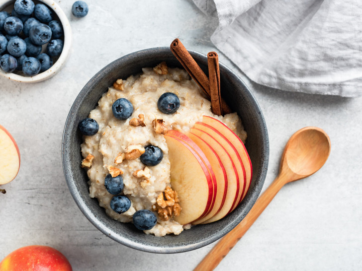 Фото №4 - Бодрый завтрак: 4 необычных рецепта каши