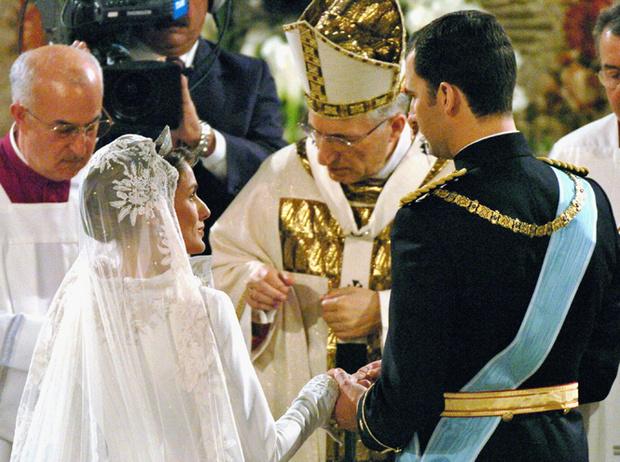 Фото №59 - Самые трогательные моменты королевских свадеб (о Гарри и Меган мы тоже не забыли)
