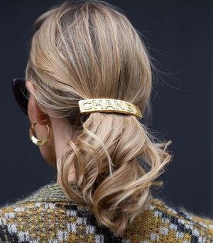 Фото №1 - Где купить винтажные украшения и аксессуары Chanel, Christian Dior, Valentino и Givenchy?