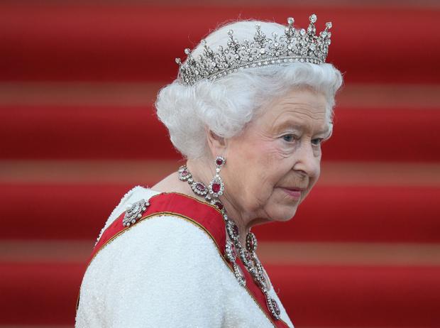 Фото №1 - Талисман Ее Величества: какое украшение защищает Елизавету от негатива