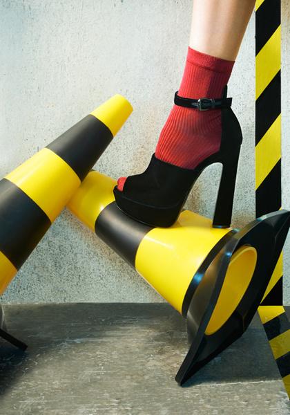 Фото №3 - Стук каблуков по мостовой: городской шик в новой рекламной кампании Ballin