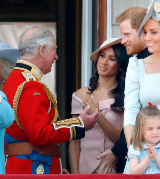 Фото №1 - Гарри и Меган начали отдавать долг британской казне только после того, как их стал финансово поддерживать принц Чарльз
