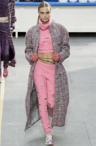 Фото №10 - Пять показов Парижской недели моды, перевернувших историю