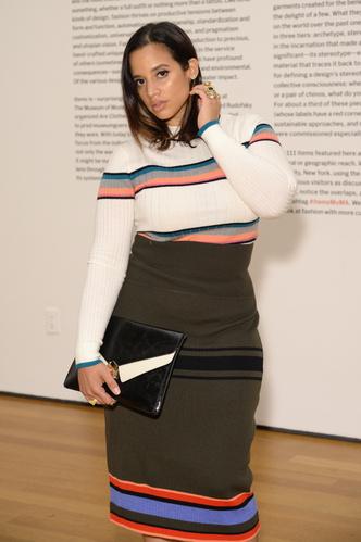 Фото №11 - Правила шопинга для девушек plus size: от маленького черного платья до джинсов