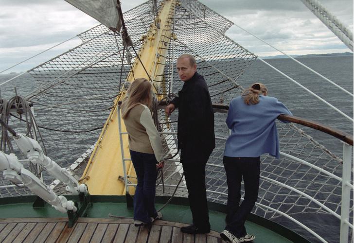 Фото №1 - «Это бывший зять»: Путин впервые прокомментировал развод младшей дочери