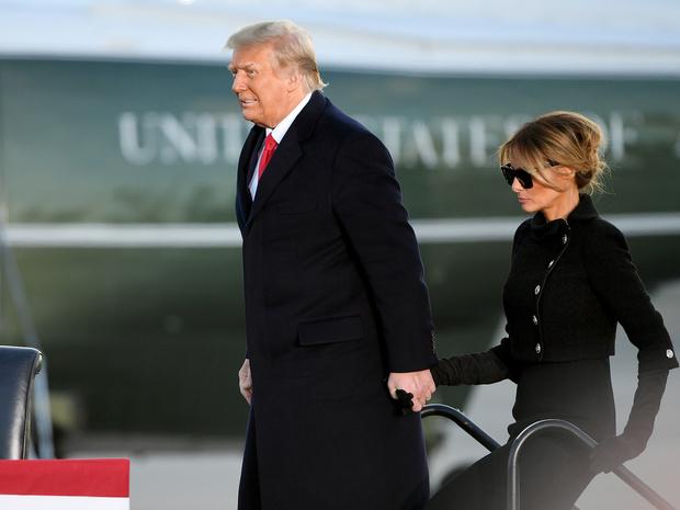 Фото №3 - Другое положение: в чем Мелания Трамп завидует Джилл Байден