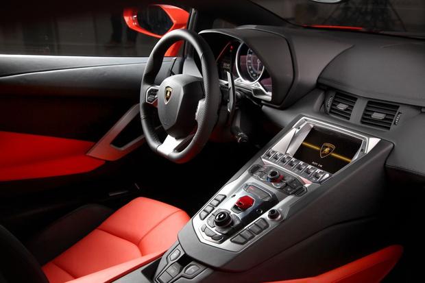 Фото №2 - Lamborghini отзывает 27 гиперкаров в России