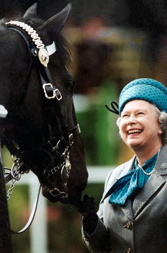 Фото №10 - Что могут короли: как проходит типичный день Елизаветы II в Букингемском дворце