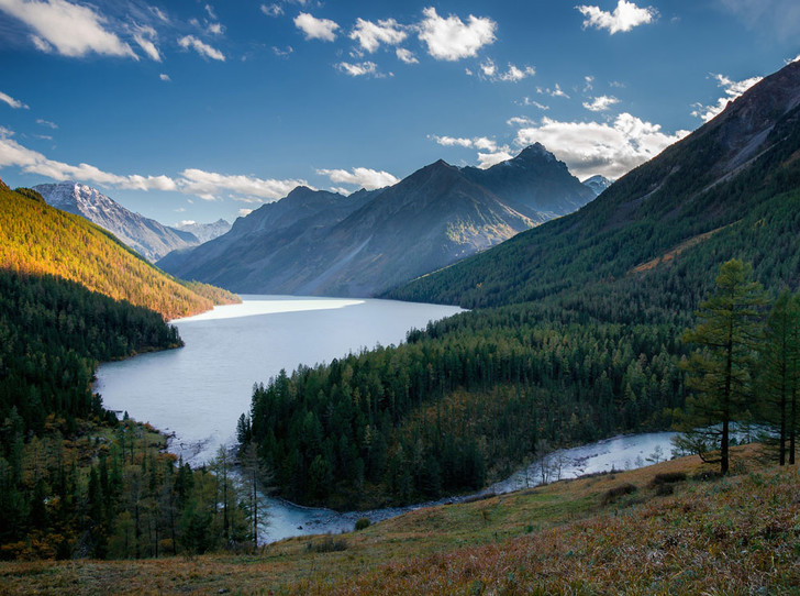 Фото №1 - Как восполнить энергию и красоту в горах Алтая