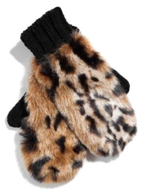 Фото №3 - Что носить зимой: топ-6 модных варежек