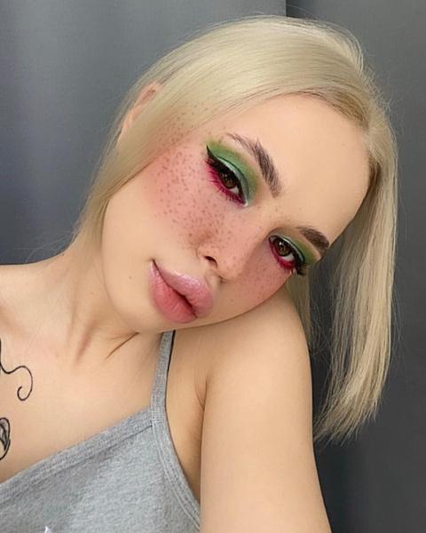 Фото №1 - INSTASAMKA стала блондинкой